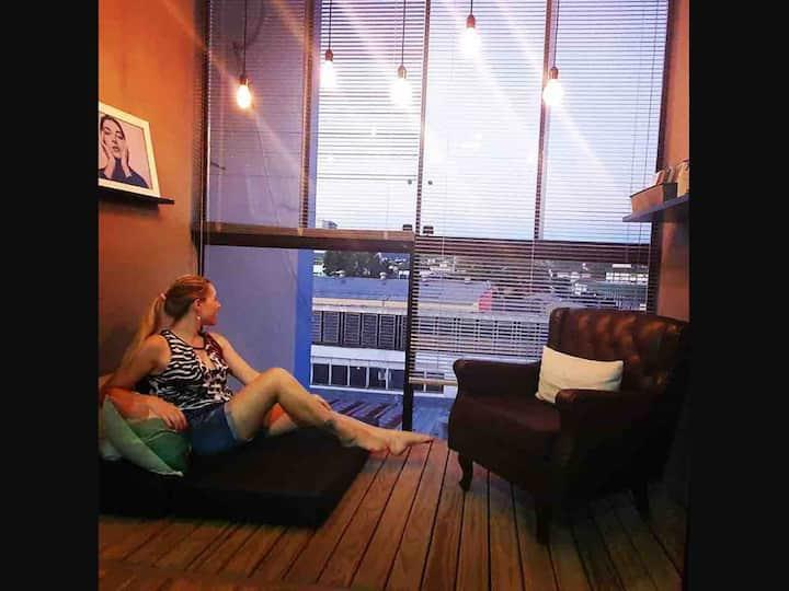 APÊ CONTEMPORÂNEO - Prédio RBS TV- Recém Reformado