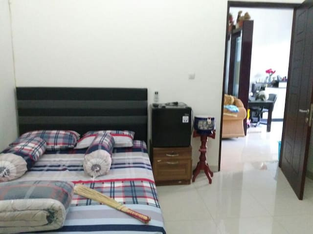 A Nice Home Loving In Surabaya - Kecamatan Sawahan - Huis