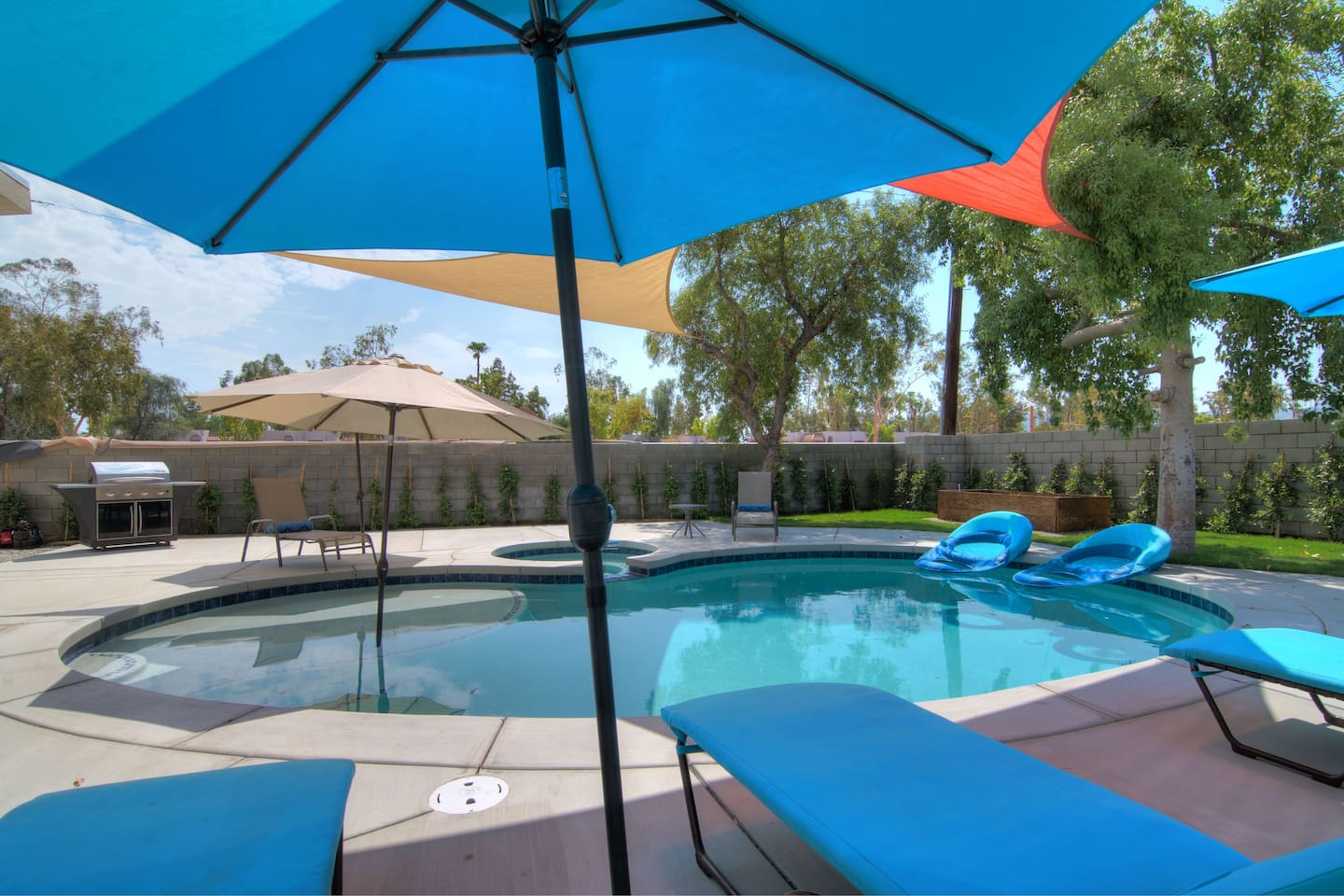 Luxurious Private Palm Desert Casita - Guesthouses for Rent in Palm ...