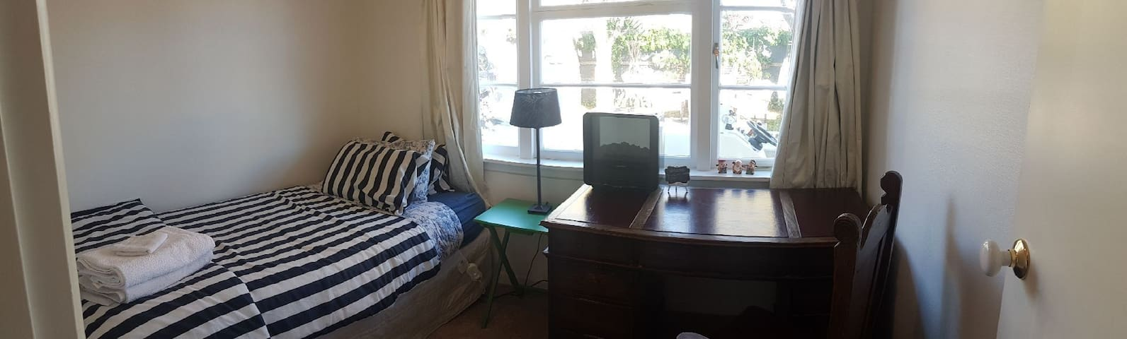 Private Single - Desk, Free Wifi, Central Tauranga