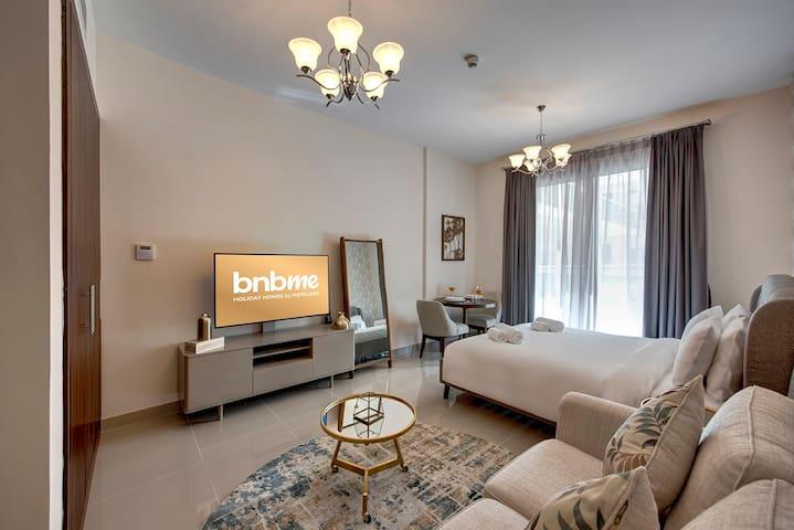 Luxurious Studio in Jumeirah Village Circle