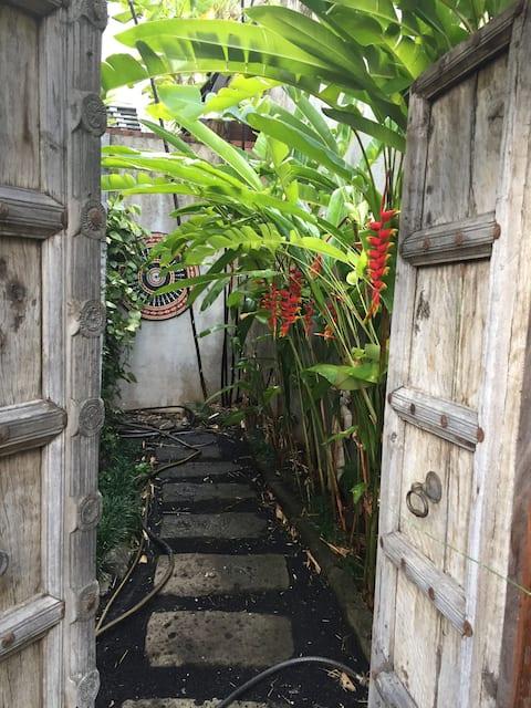 Zen Private Room - Secret in Honolulu
