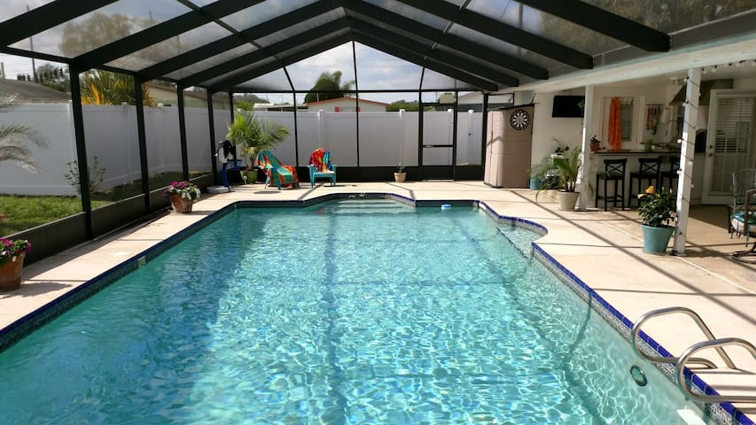 Pool,Lanai,Summer Kitchen, TV & Bar - Sebring - Rumah