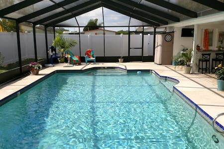 Pool,Lanai,Summer Kitchen, TV & Bar - Sebring