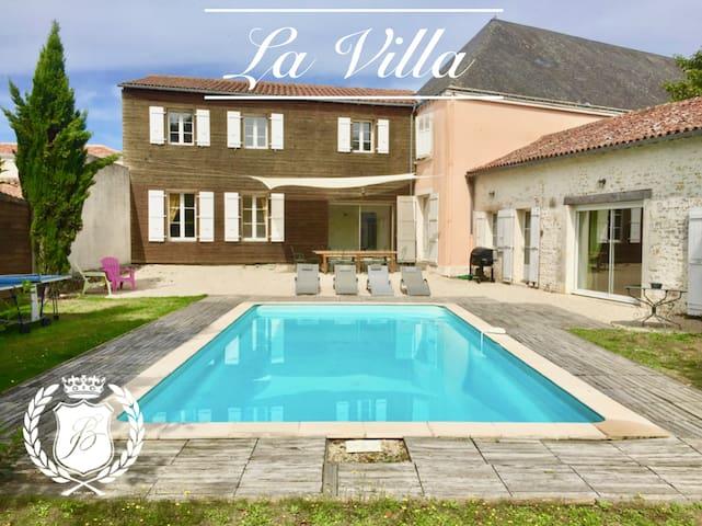 La Villa at Chateau de Bourneau, private pool