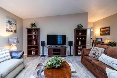 Territorial Oasis 3 BR/2BA centrally located in SV