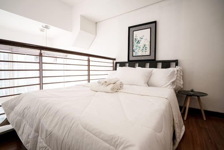 Bright Modern Loft Apartment in Ortigas @Indigo