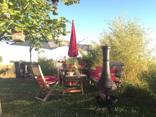 Chbre Rouge / Belle maison campagne - Souge - House