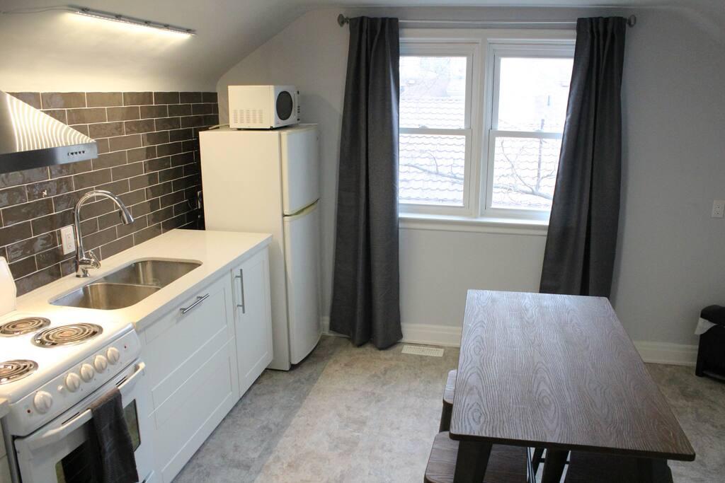 Quiet Bright Upscale 1 Bedroom Studio Apartment Apartments For Rent In Brampton Ontario