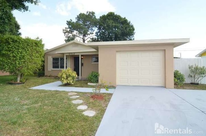 National Championship house for family or group - Pinellas Park - Casa