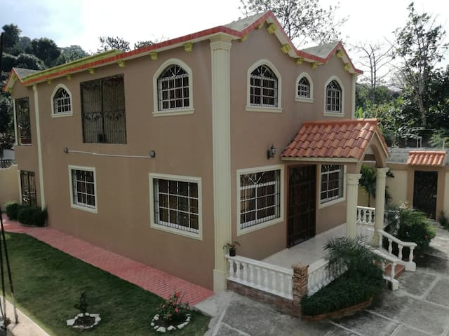 4beds,3bath,hottub,villa on 1acre - la guama - Villa