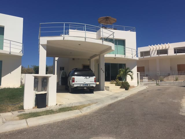 Beautiful Cabo Home (Chevy Tahoe rental available) - Los Cabos - Casa