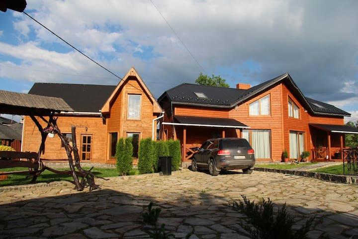 КОТЕДЖ      ПЯТЕ КОЛЕСО