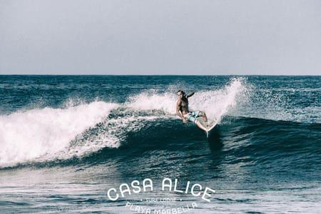 CASA ALICE SURF LODGE SHARED ROOM - Villa