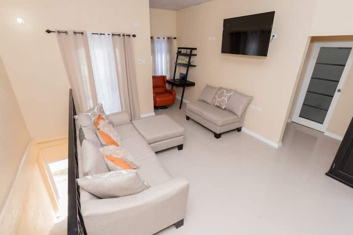 *NEW* Well Appointed Modern St. James 2 BD