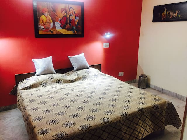 Room with LCD & shared Drg& kit near IT Park CHD