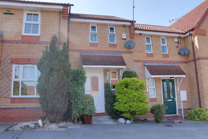 Modern 1 bedroom house with parking in Sheffield