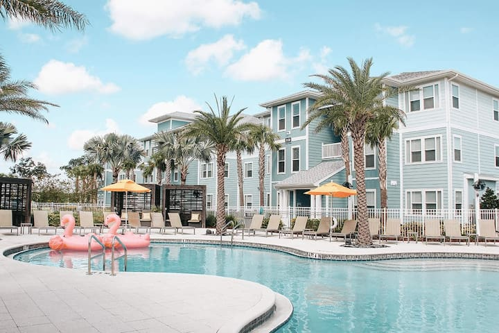 Luxurious 2 Bdr Apt Home  10 min from Disney World