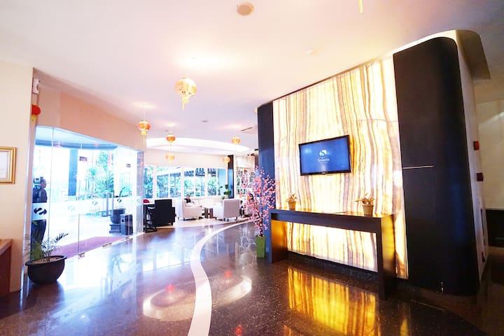 Solaris Hotel Malang - Family Room With Breakfast