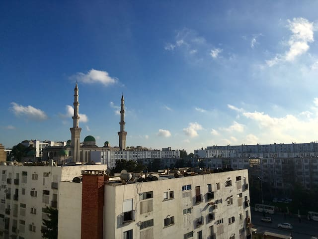 Bright Sunny Spacious Apartment Algiers (5 Guests)