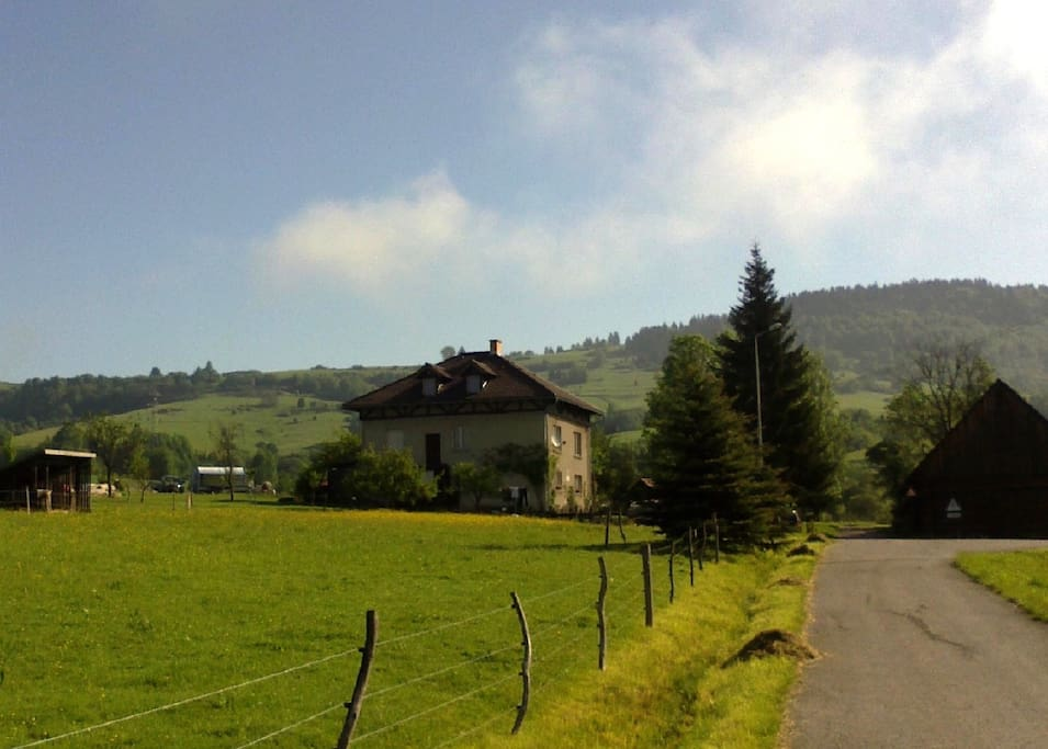 Situated in quiet surroundings, in the countryside, ideal for hiking, mountainbiking, and enjoying the countrylife.