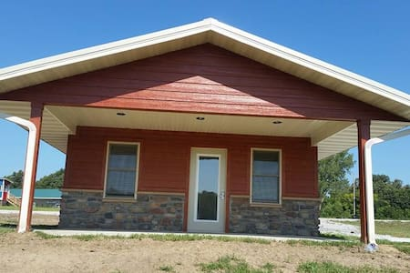 Hidden Falls Cabins & RV Park Cabin #4 - Nebraska City - Chalet