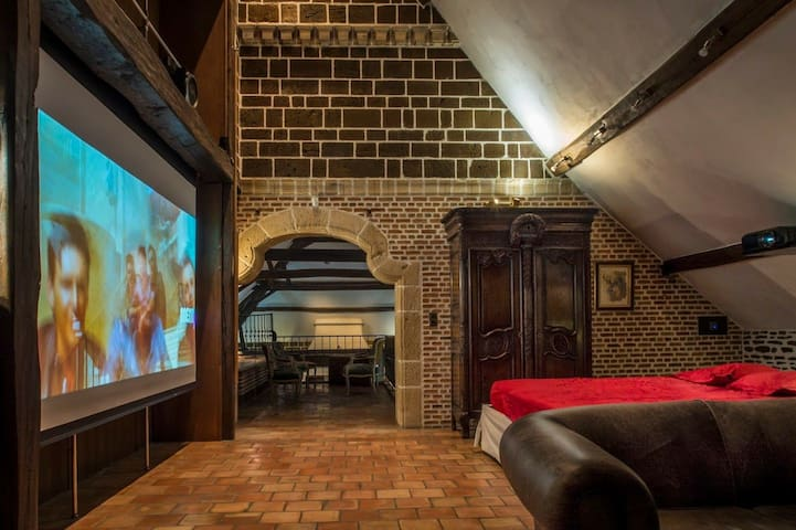 Loft with mastersuite and extra bedroom