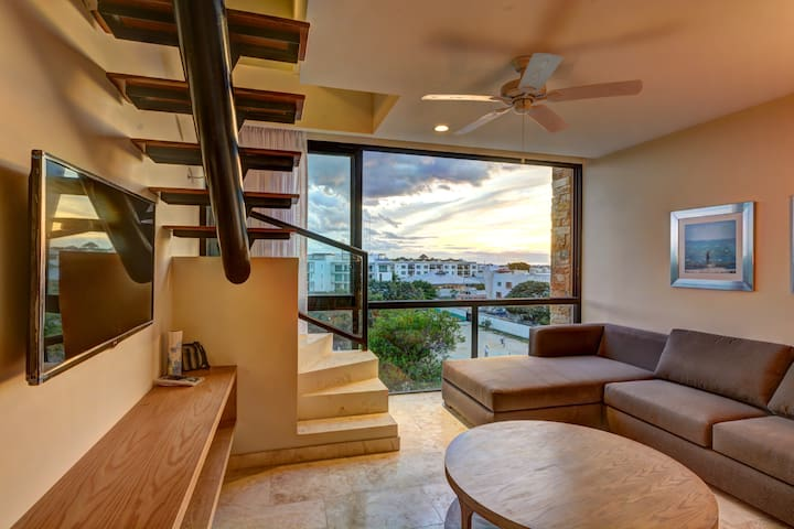 2BR PH, Private Rooftop, Pool, Long Term Price