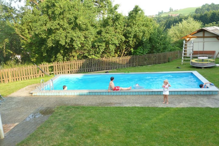 Spacious Apartment in Tresdorf with swimming pool
