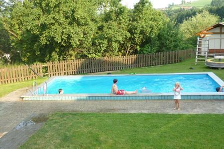 Landelijk appartement in het Beierse Woud met een zwembad