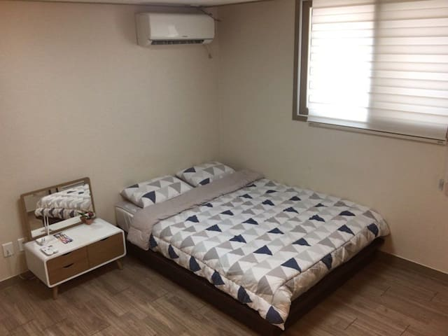 Private Double bed room 2 J house & 1Extra bed