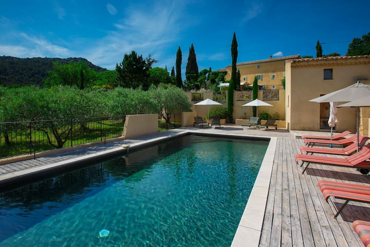 B&B in Provence: Mistral Suite
