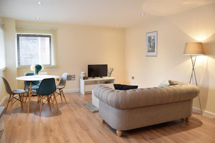Apartment 5 - Newly refurbished in Greater London