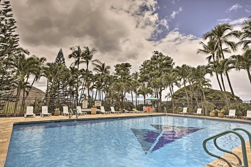 Located in the Makaha Valley Towers, this condo is just 1.5 miles from Makaha Beach Park!