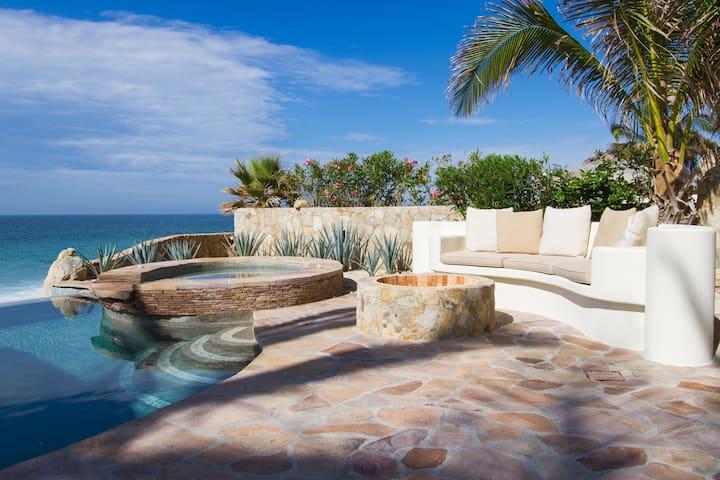 Beachfront 4 bd Villa - Best Deal in Los Cabos