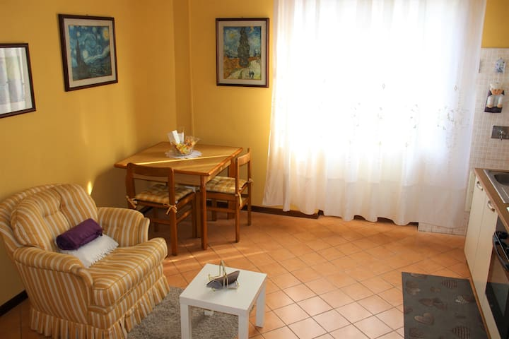 Bright flat with Free Parking (close to Modena)