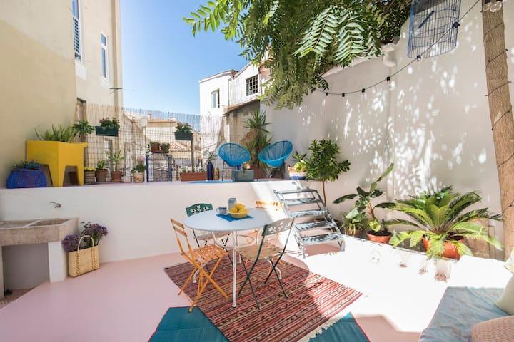 Blue Garden Apartment