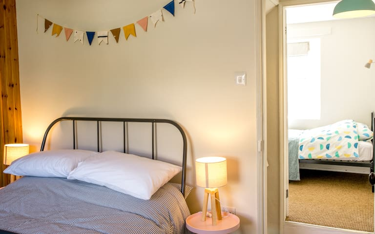 Stylish Scandi cottage in the heart of town