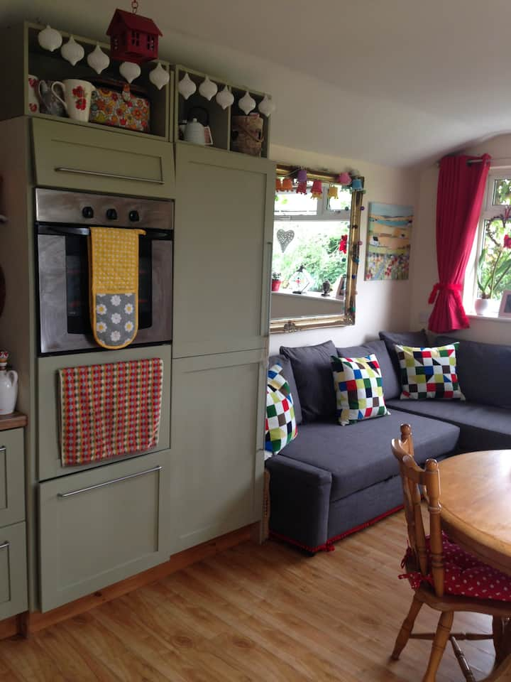 Beautiful & cosy self-contained Mews Apartment