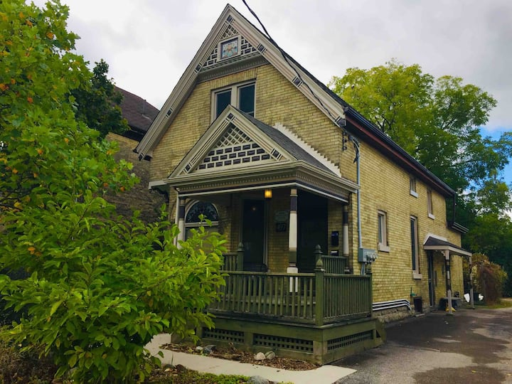 Heritage Property: The Chemist's Home