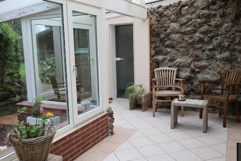 Cozy cottage with garden contactless possible