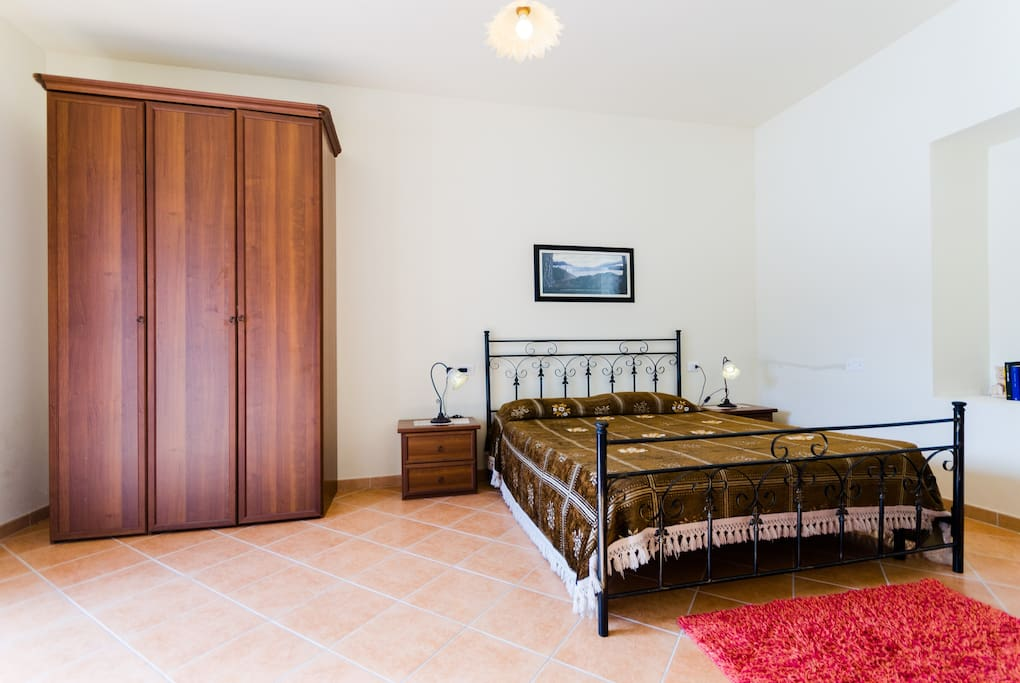 First Floor, Double or Triple Room: Double Bed (King Bed) + Sofa Bed (for 2 child 2/12 years or 1 adult). / Primo Piano, Camera Doppia o Tripla: Letto Matrimoniale + Divano Letto (2 bambini 2/12 anni o 1 adulto). #3