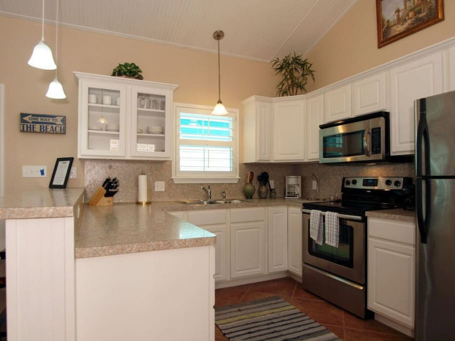 Microwave,Oven,Molding,Indoors,Kitchen