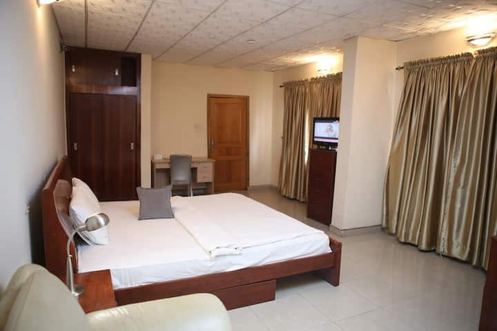 Habitat Suites International - Business Apartment