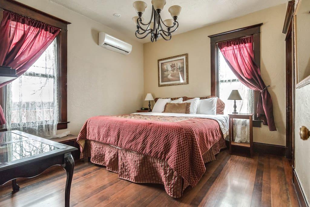 Suite 2 master bedroom