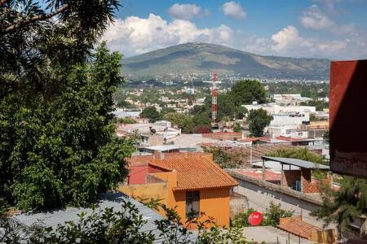 Habitación con terraza,y linda vista a monte Alban