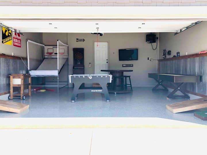 4 BDRM cabin at Bridges Bay -Pool in the back!