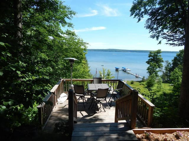 Oasis on Burt Lake - Alanson - House