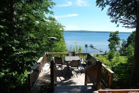 Oasis on Burt Lake - Alanson - Haus