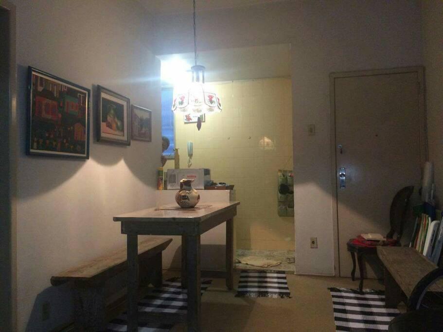 Living, sala de jantar e espaço net